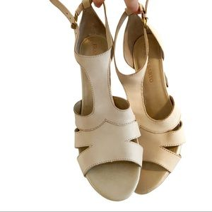Franco Sarto Cyndi heeled strappy sandals